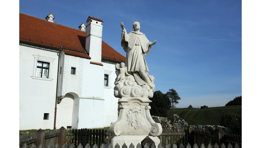 Sv. Ivan Nepomuk pred varaždinskim Starim gradom
